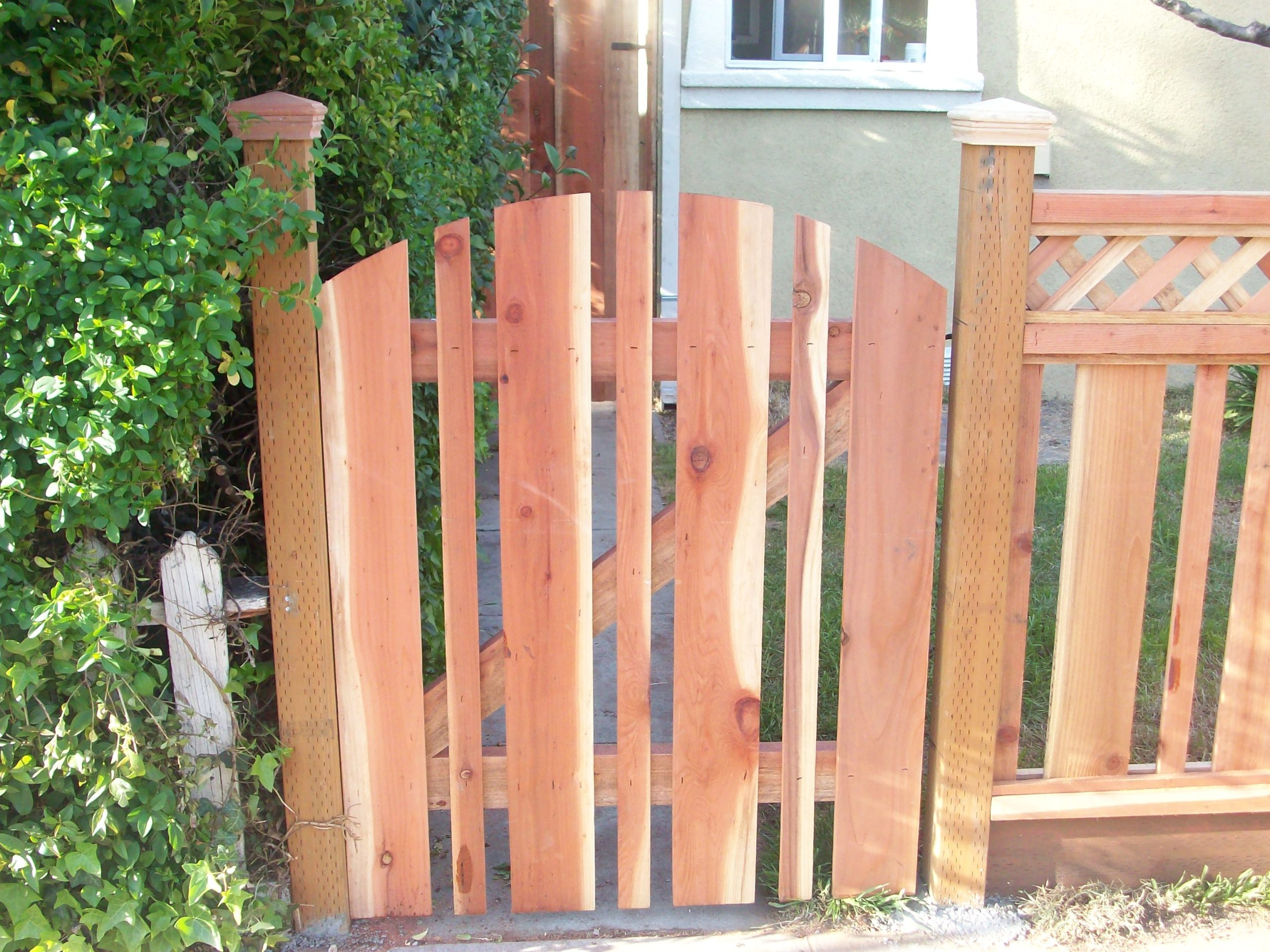 redwood picket gate and fence with lattice Mountain View, CA